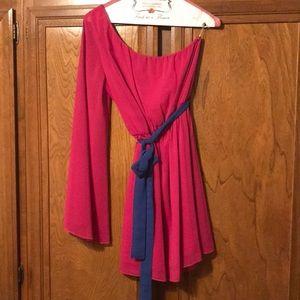 One shoulder fuchsia short dress